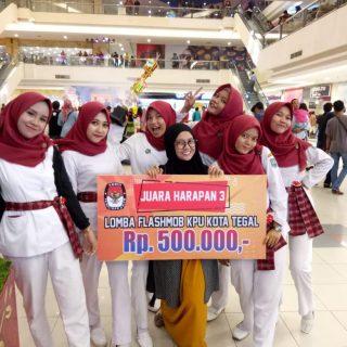 Tim dari Prodi D3 Keperawatan Tegal berhasil meraih Juara Harapan 3 pada acara Lomba Flashmob yang diselenggarakan oleh KPU Kota Tegal.